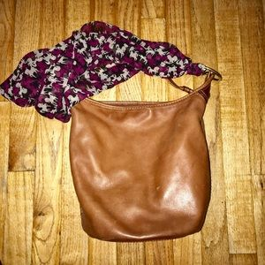 🦄 COACH LIGHT BROWN CRESCENT SHAPED LEATHER BAG